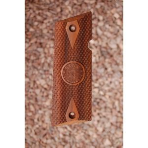 Star Super B Wood Grips (Checkered With Logo)